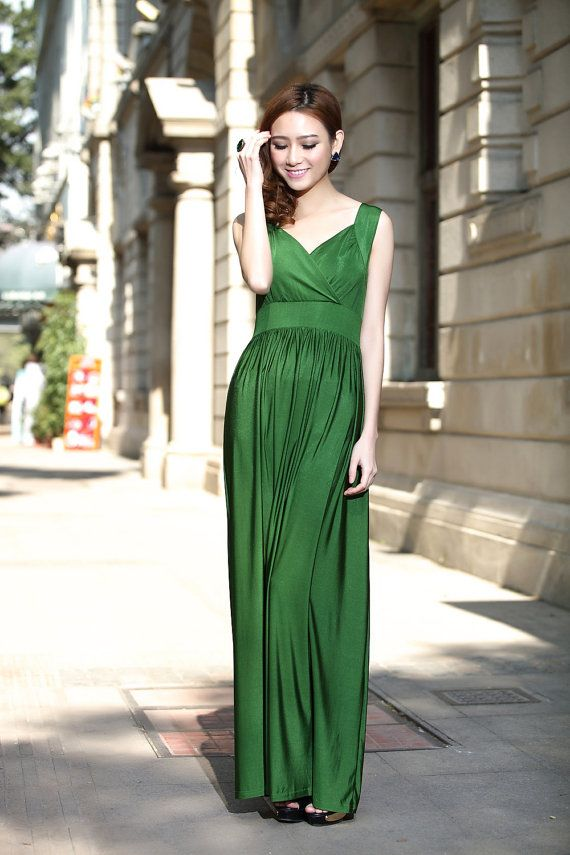 Emerald Green Wedding Party Maxi Dress Evening Dinner Formal Gown Elegant Ball Gown bridesmaid dress Gown on Etsy, $35.00Dinner Formal, Ball Gowns, Emeralds Green, Bridesmaid Dresses, Maxis Dresses, Green Dress, Dresses Gowns, Green Wedding, Elegant Ball