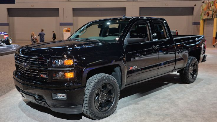 chevy silverado midnight edition custom ready to stand out in pickup line chevy silverado and. Black Bedroom Furniture Sets. Home Design Ideas