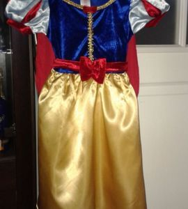 sukienka karnawałowa królewny śnieżki na 98 cm czyli 2-3 lata wg metki http://dzieciociuszek.pl/products/36645