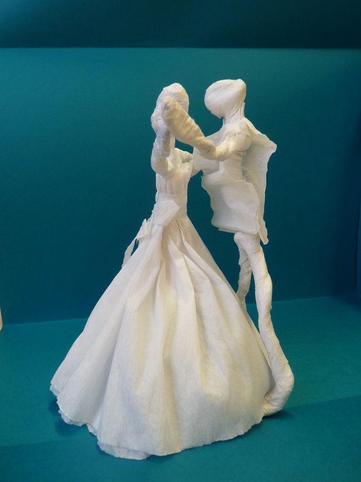Táncospár- drót és krepp papír