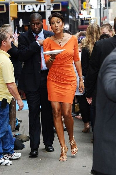Robin Roberts Sexy   robin roberts leaves good morning america in this photo robin roberts ...