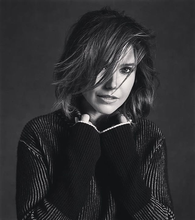 OH MY GOD  In love with this shoot ❤ More pics on the fansite (link in bio) #SophiaBush #Photoshoot #BlackAndWhite #Beauty #Queen #Gorgeous #OneTreeHill #ChicagoPD