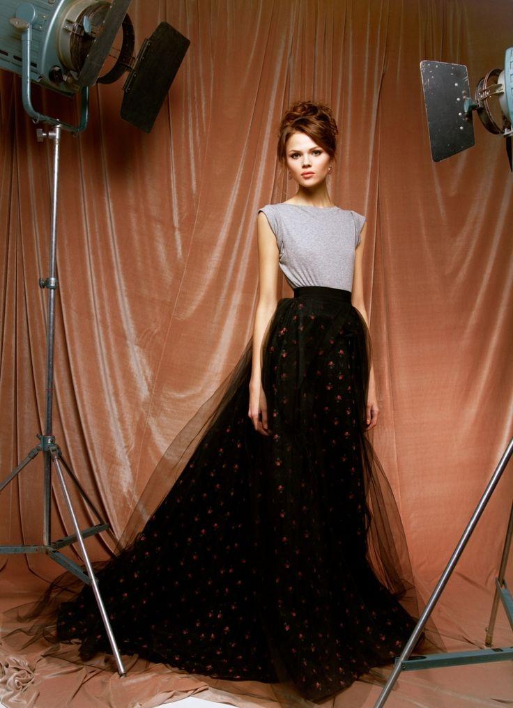 Пышные юбки (94 фото): из фатина, с чем носить, фасоны, модели в стиле ретро, черные, белые, длинные в пол, солнце, с…