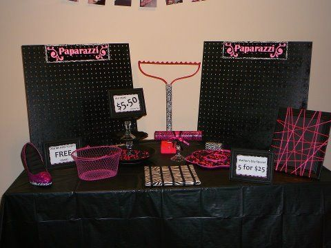 paparazzi jewelry displays | Isn't that display table so cute??