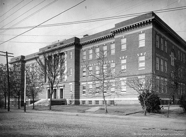 Original E C  Glass High School In Lynchburg  Virginia