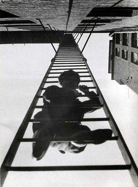 Escada de incêndio - 1925 Rodchenko