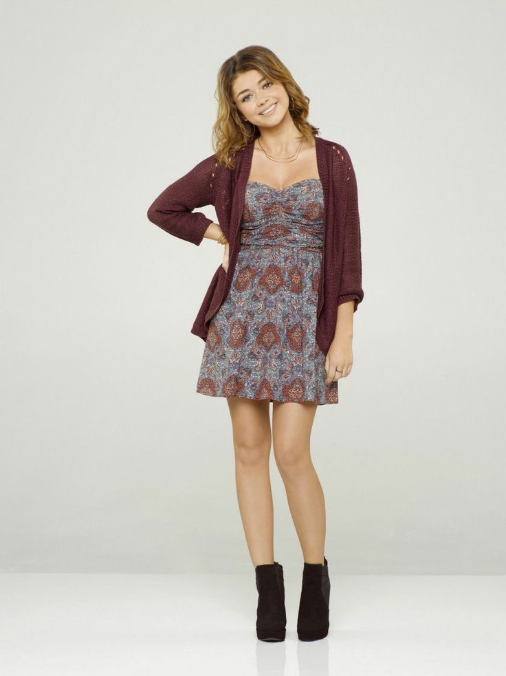 Check out photos and products worn by Haley Dunphy on Modern Family.