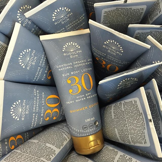 Our new Sun Body Lotion Shimmer Edition is now available on our webshop ✨Link in bio. #timetoshine #hellosunshine #availablenow #sunprotection #rudolphsun #rudolphcare