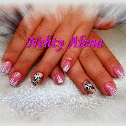Airbrush - nail design dle mě ;) rampouchy, zima, sníh, sovičky