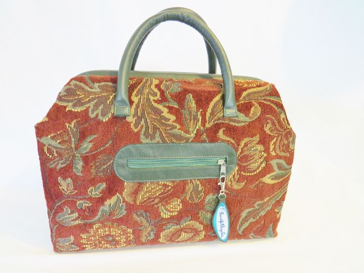 Travel Carpet Bag Mary Poppin's Style - pinned by pin4etsy.com