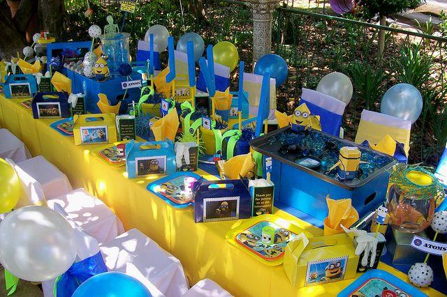 Minions Decoracion Para Fiestas ~   de mesa con el nombre del cumplea?ero de fiesta Minion #