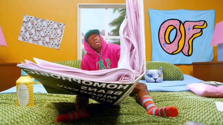 Tyler the Creator - Tamale. Os exageros de sempre, cores vivas e absurdos. É só mais um do Tyler. (The habitual exaggeration, vivid colors and absurdities. It's just another from Tyler.) (dir.: Wolf Haley) (11/10)