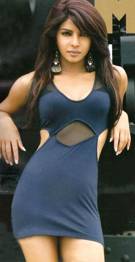Priyanka Chopra in hot dress looking awesome