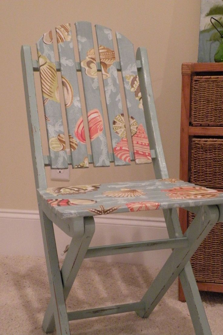 a pretty way to paint an old chair - or you could decoupage it