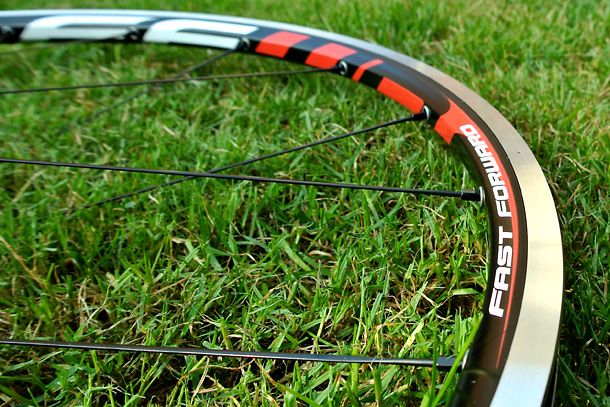FFWD F2A alu clinchers | Full review at Racefietsblog.nl