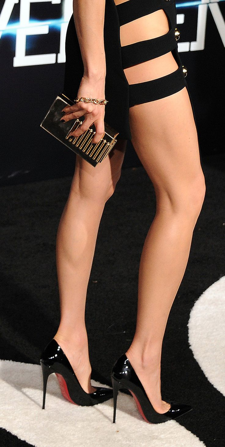 Awesome Black Court Shoes Heels