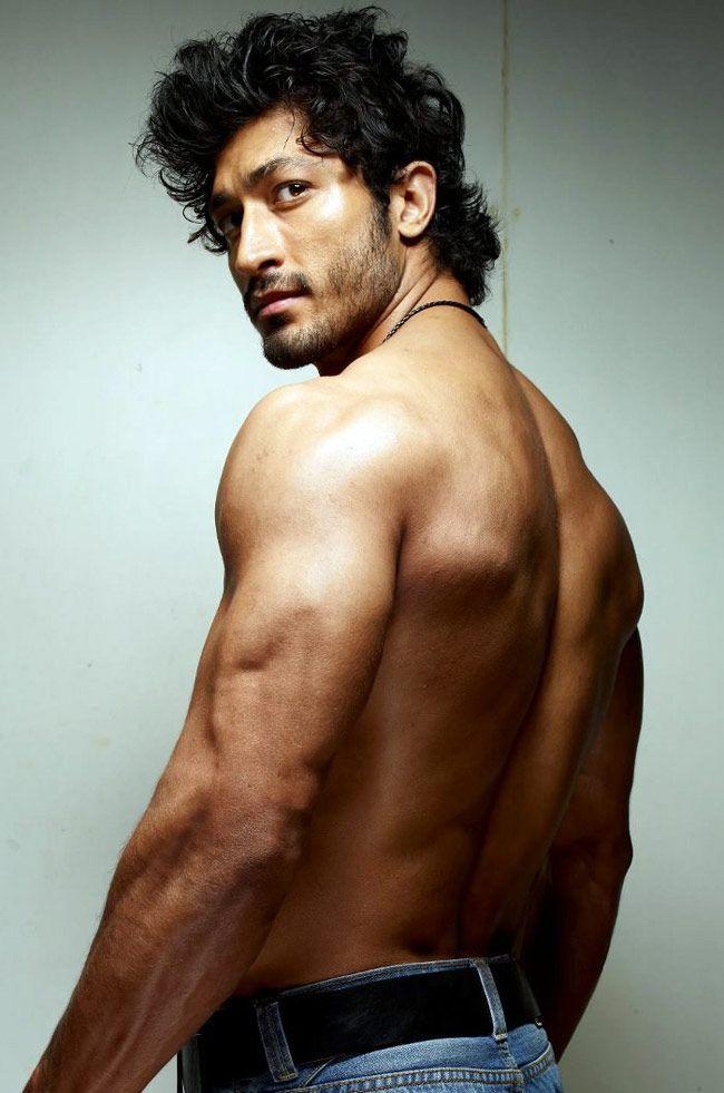 Vidyut Jamwal #Fashion #Style #Bollywood #Handsome #Hunk