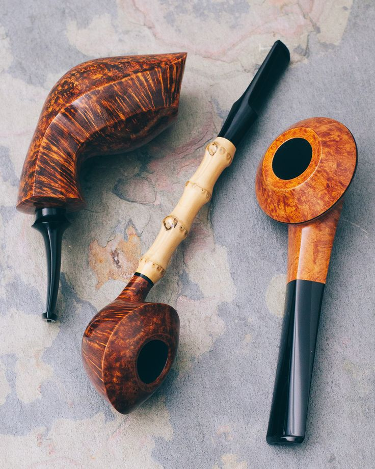 Three pieces from the Japanese workshop Tsuge Ikebana plus fresh pipes from Former Steve Liskey and Bill Shalosky. http://smokingpip.es/2tFVbQe