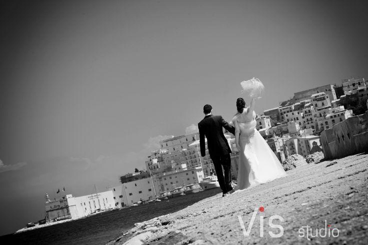 #matrimonio #wedding #walking #walkinlove #velo #passeggiata #visstudio #weddinglazio #grottaglie #lungomare #Gaeta #matrimonioinlazio #matrimonigaeta #sposi #velosposa