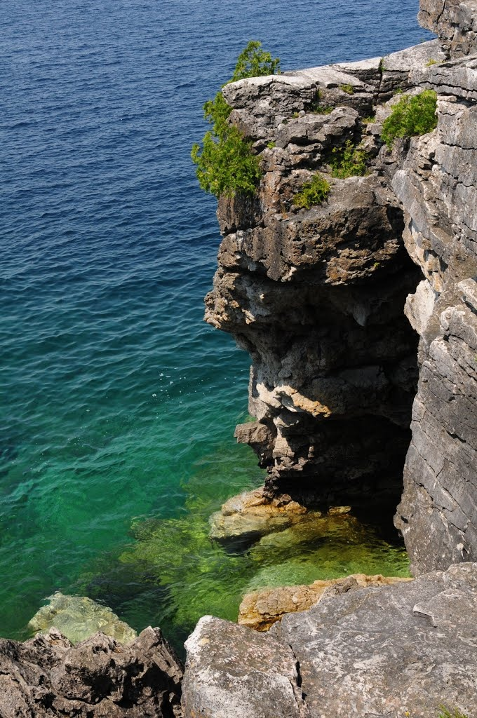 Entrance to the Grotto, Bruce Peninsula National Park, Ontario, Canada #100repins