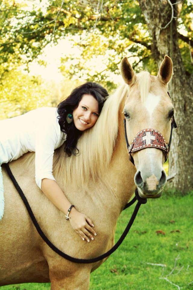 senior pictures with a horse By rusted spoon photography   https://m.facebook.com/pages/Rusted-Spoon-Photography-LLC-By-Hannah-Hughes/101929823233314