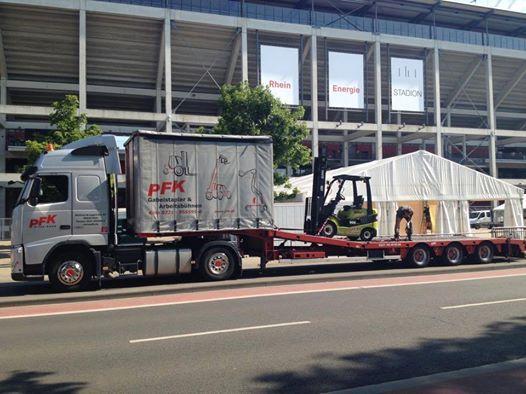 Bevor Helene Fischer kommt, kommen wir. Rhein Energie Stadion Köln