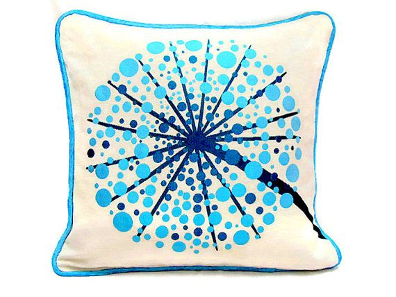 Throw Pillow Yardage : 164 best images about Gardens, Yards & Outdoor Spaces - ATCTTeam on Pinterest French linens ...