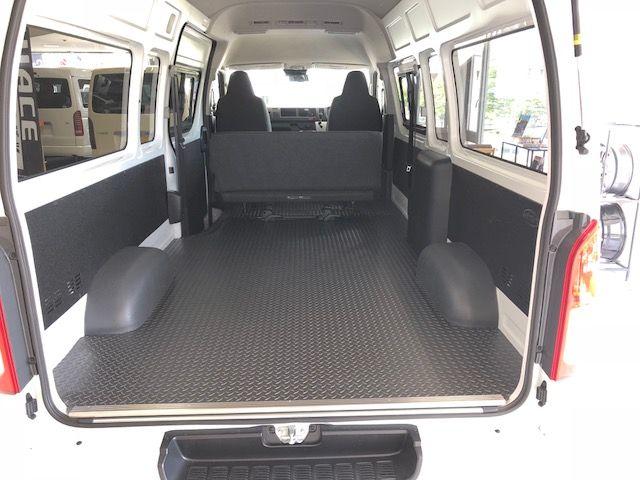 ハイエース200系バンdx 内装トリムボードをline X塗装でカスタム 保護