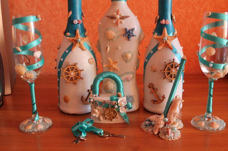 Свадебный набор: бутылки, бокалы, замочек с ключиком и подставка для ручки