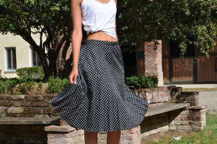 Vintage Pleated Skirt ~ Black and White Polka Dot Skirt ~ Fully Circle skirt ~ Black&White Pois Clothing by CatsAndHatsVintage on Etsy