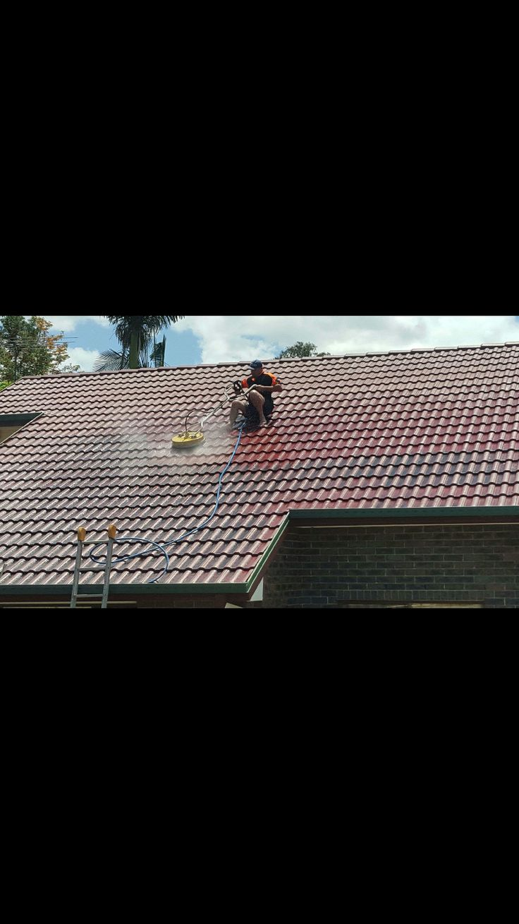 No roof is to steep for Waterworx Pressure Cleaning.