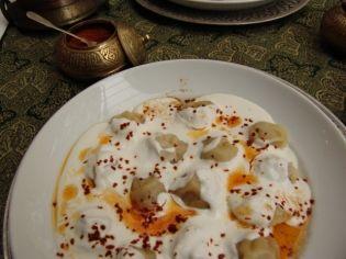 Μαντί - μικρά ραβιολάκια με κρέας και σώς γιαούρτι - gourmed.gr