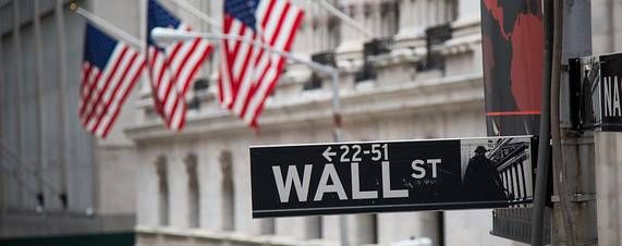 The Dow Jones Industrial Average shook off its worst-ever start to a year to log its best performance since 2013, as investors bank on an improving economy.