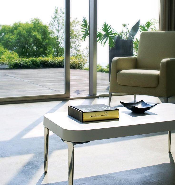 A glass of wine, please, let's get the weekend started!  #Segis #SegisDesign #ItalianDesign #interiors #interiordesign #homedecor #homefurniture #interiorstyling #furniture #luxuryfurniture #roominspiration