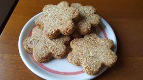 ingredienti: - 1 uovo - 165 gr. di farina di amaranto (ne ho trovato una al Conad macinata grossolanamente che è perfetta per questi biscotti) - 100 gr. fr