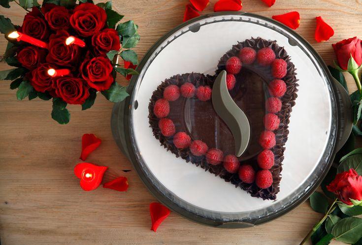 Tocco di classe finale per la tua cena di San Valentino con il nostro portatorta speciale #sanvalentino #valentinesday #dessert #sweet #decorations