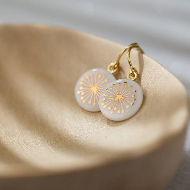 Edle Ohrringe aus Porzellan mit goldener Pusteblume / noble earrings made of…