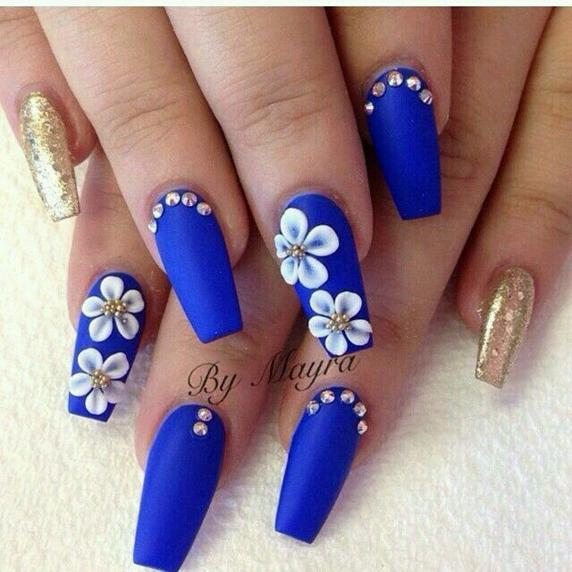 Blue coffin nails with flower design and gold glitter