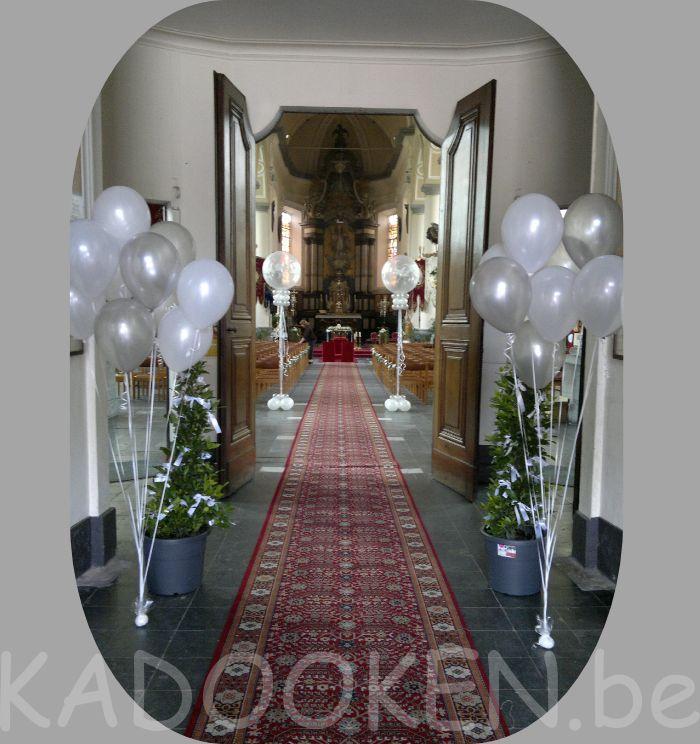Kerk decoratie, huwelijk ballonnen trouw, ballons, ballondecoratie, heliumballonnen, aankleding kerk, ballonnen www.kadooken.be