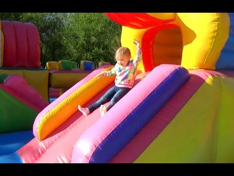 Надуваем ЦВЕТНЫЕ мыльные пузыри Развлечение для детей в Саду Победы COLORED bubbles Entertainment - YouTube
