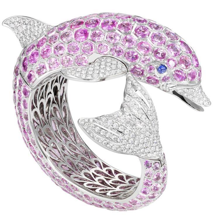De Grisogono - bracciale delfino in oro bianco con diamanti, zaffiri rosa e zaffiro blu http://molu.it/gioielli-estivi/