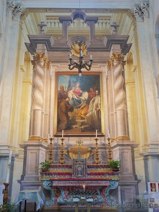 "Campiglia Cervo (#biella #Italy #visititaly #discoveritaly #art #arthistory #baroque ): Lateral altar in the church of the Sanctuary of San Giovanni d'Andorno. Above the altar the painting ""The marriage of the Virgin"" by Giovanni Antonio Cucchi."