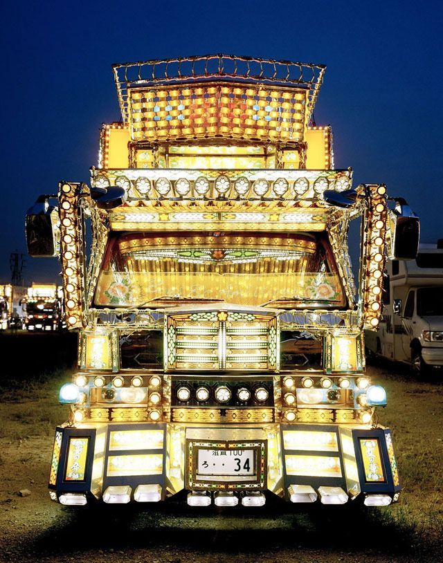 Decotora art truck from Japan