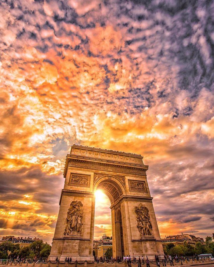 いいね!155.3千件、コメント886件 ― Wonderful Placesさん(@wonderful_places)のInstagramアカウント: 「Arch of Triumph - Paris ✨❤️❤️❤️✨ Picture by ✨✨@cbezerraphotos✨✨ . #wonderful_places for a feature ❤️」