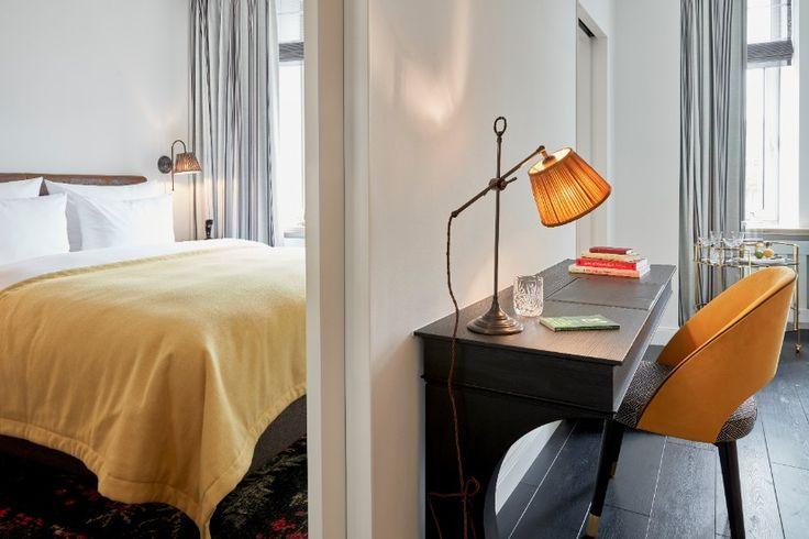 Meet The Sophisticated Hotel Interior Design of SiR Nikolai in Hamburg   Decorating Ideas   Interior Design   Modern Design    SiR Nikolai  #interiordesignprojects #hotelinteriors #moderninteriors   more @ https://www.brabbu.com/en/inspiration-and-ideas/world-travel/hotel/meet-sophisticated-hotel-interior-design-sir-nikolai-hamburg