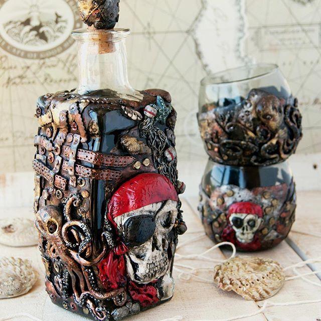 Гавайская вечеринка! Говорили они! Ну, какая же Гавайская вечеринка может обойтись без РОМА? А какой же ром без пиратов!☠️☠️☠️ Загорелые красотки! Веселье и танцы! Звон монет! Купание в океане под луной! ☠️☠️☠️ Йо-