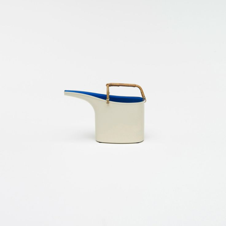 387: Stig Lindberg / watering can < Mass Modern, 14 July 2012 < Auctions   Wright