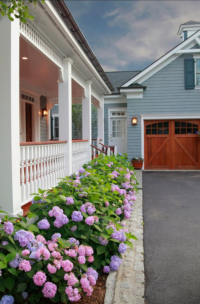 Gorgeous Detached Garage Plans for Large Home Site Maximization: Pretty Traditional Exterior