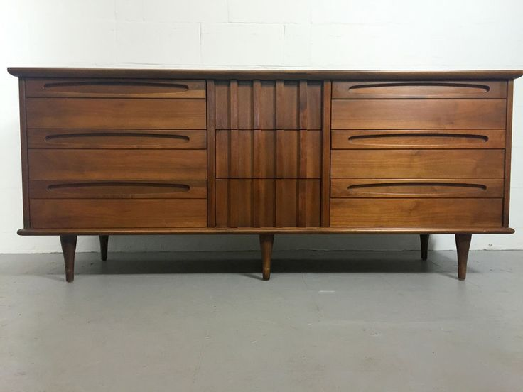 S&D LR or Bedroom. Mid Century 9 Drawer Dresser by American of Martinsville #AmericanofMatinsville $899.