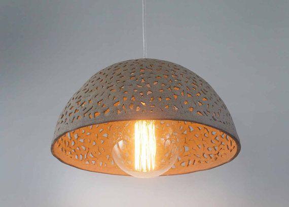 Cortina de lámpara de cerámica. Colgante por rachelnadlerceramics